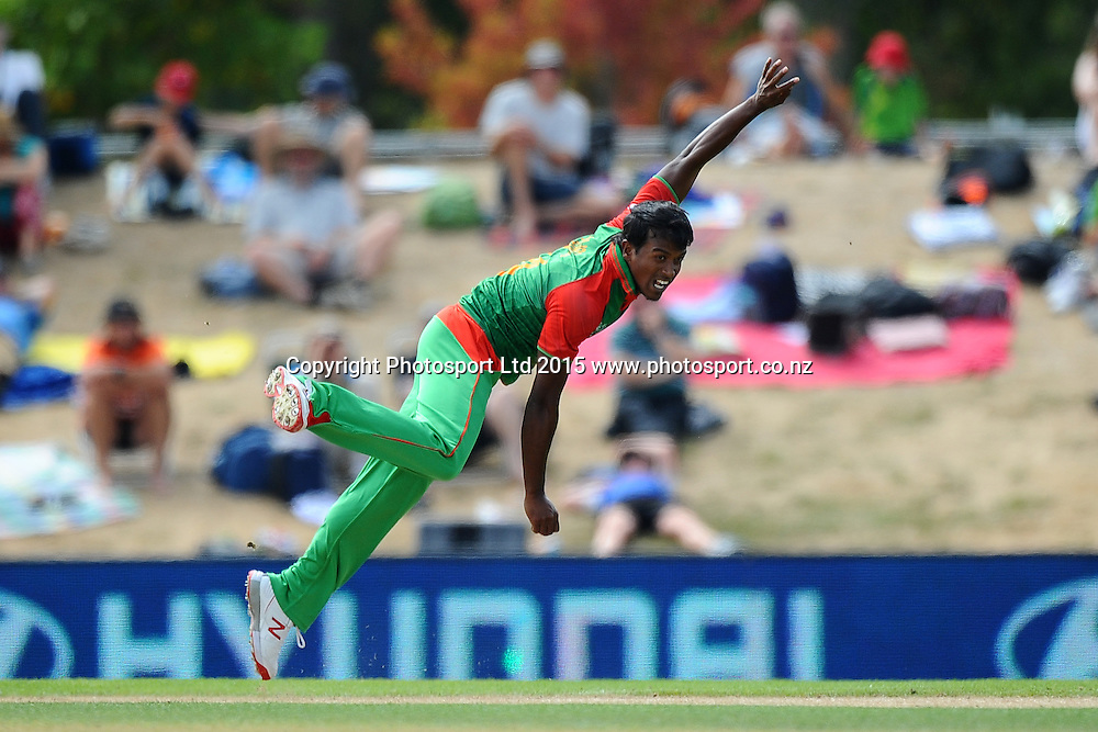Bangladesh player Shakib Al Hasan during the 2015 ICC Cricket World Cup match between Bangladesh v Scotland. Saxton Oval, Nelson, New Zealand. Thursday 5 March 2015. Copyright Photo: Chris Symes / www.photosport.co.nz