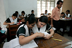 BANGLADESH CHITTAGONG 9MAR05 - Science class in grade 7 at Bay View private School in Chittagong. The school, directed by Mrs Mendes, is one of the best providing high quality secondary education in Bangladesh...jre/Photo by Jiri Rezac..© Jiri Rezac 2005..Contact: +44 (0) 7050 110 417.Mobile:  +44 (0) 7801 337 683.Office:  +44 (0) 20 8968 9635..Email:   jiri@jirirezac.com.Web:    www.jirirezac.com..© All images Jiri Rezac 2005 - All rights reserved.