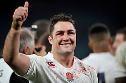 A bloodied Brad Barritt of England gives a thumbs up - Photo mandatory by-line: Patrick Khachfe/JMP - Mobile: 07966 386802 29/11/2014 - SPORT - RUGBY UNION - London - Twickenham Stadium - England v Australia - QBE Internationals
