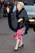 18-4-2016 - ZWOLLE King Willem-Alexander, Her Majesty Queen Maxima and Her Royal Highness Princess Beatrix and Prince Pieter van Vollenhoven are Monday April 18, 2016 attended the Koningsdagconcert in theater De Spiegel in Zwolle. COPYRIGHT ROBIN UTRECHT <br /> 18-4-2016 -  ZWOLLE -Koning Willem-Alexander, Hare Majesteit Koningin Maxima en Hare Koninklijke Hoogheid Prinses Beatrix en prins pieter van Vollenhoven zijn maandagavond 18 april 2016 aanwezig bij het Koningsdagconcert in theater De Spiegel in Zwolle. COPYRIGHT ROBIN UTRECHT