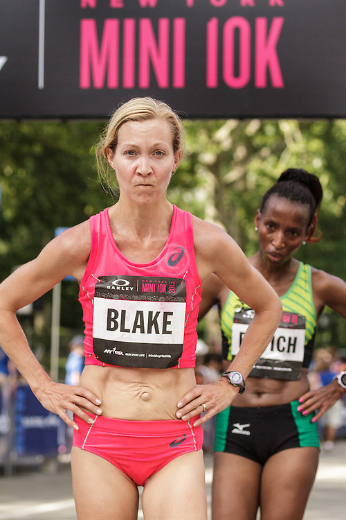 NYRR Oakley Mini 10K for Women: Blake Russell, USA, asics