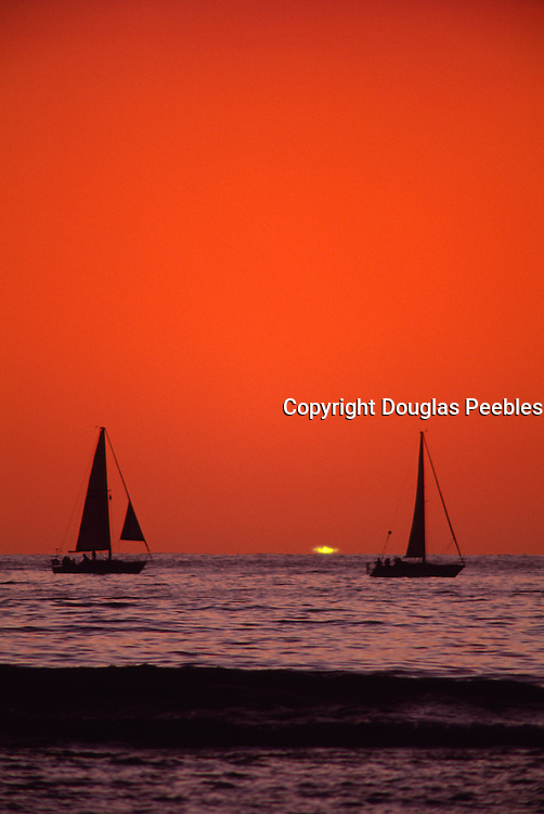 Green flash, Sunset with sailboats<br />