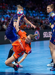 16-12-2018 FRA: Women European Handball Championships bronze medal match, Paris<br /> Romania - Netherlands 20-24, Netherlands takes the bronze medal / Nycke Groot #17 of Netherlands, Crina-Elena Pintea #21 of Romania, Ana-Maria  Dragut #90 of Romania