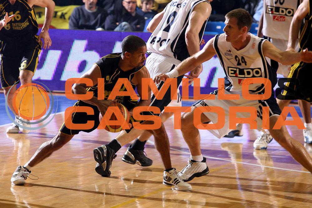 DESCRIZIONE : Napoli Eurolega 2006-07 Eldo Napoli Aris Salonicco <br />GIOCATORE : Abdul Rauf<br />SQUADRA : Aris Salonicco<br />EVENTO : Eurolega 2006-2007 Eldo Napoli Aris Salonicco<br />GARA : Eldo Napoli Aris Salonicco<br />DATA : 08/11/2006 <br />CATEGORIA : Palleggio<br />SPORT : Pallacanestro <br />AUTORE : Agenzia Ciamillo-Castoria/G.Ciamillo