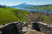 Sicht auf Pilatus und Vierwaldstättersee von Gesslerburg oben Küssnacht am Rigi