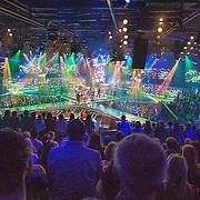NLD/Amsterdam/20131129 - The Voice of Holland 2013, 3de show, Ilse de Lange treedt op met haar talenten