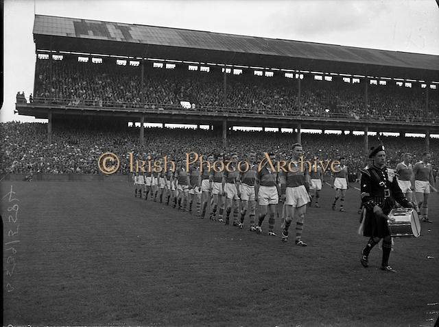 All Ireland Senior Hurling Championship Final,.04.09.1960, 09.04.1960, 4th September 1960,.Senior Wexford v Tipperary, Wexford 2-15 Tipperary 0-11,.. 04091960AISHCF,