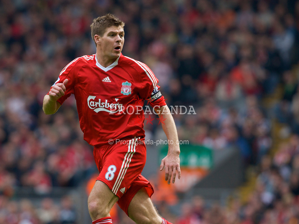 LIVERPOOL, ENGLAND - Sunday, May 4, 2008: Liverpool's captain Steven Gerrard MBE in action against Manchester City during the Premiership match at Anfield. (Photo by David Rawcliffe/Propaganda)