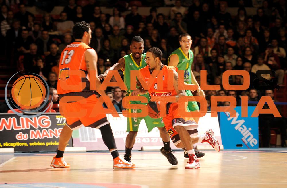 DESCRIZIONE : France Ligue Pro A Msb Le Mans Vichy 14 ieme journee<br /> GIOCATORE : Wright Zach Reed Kareem<br /> SQUADRA : Le Mans Vichy<br /> EVENTO : France Ligue Pro A 2009-2010<br /> GARA : MSB Le Mans Vichy <br /> DATA : 09/01/2010<br /> CATEGORIA : Basketball Action Homme<br /> SPORT : Basketball<br /> AUTORE : JF Molliere par Agenzia Ciamillo-Castoria <br /> Galleria : France Ligue Pro A 2009-2010 <br /> Fotonotizia : France Ligue Pro A 2009-10 Msb Le Mans Vichy <br /> Predefinita :