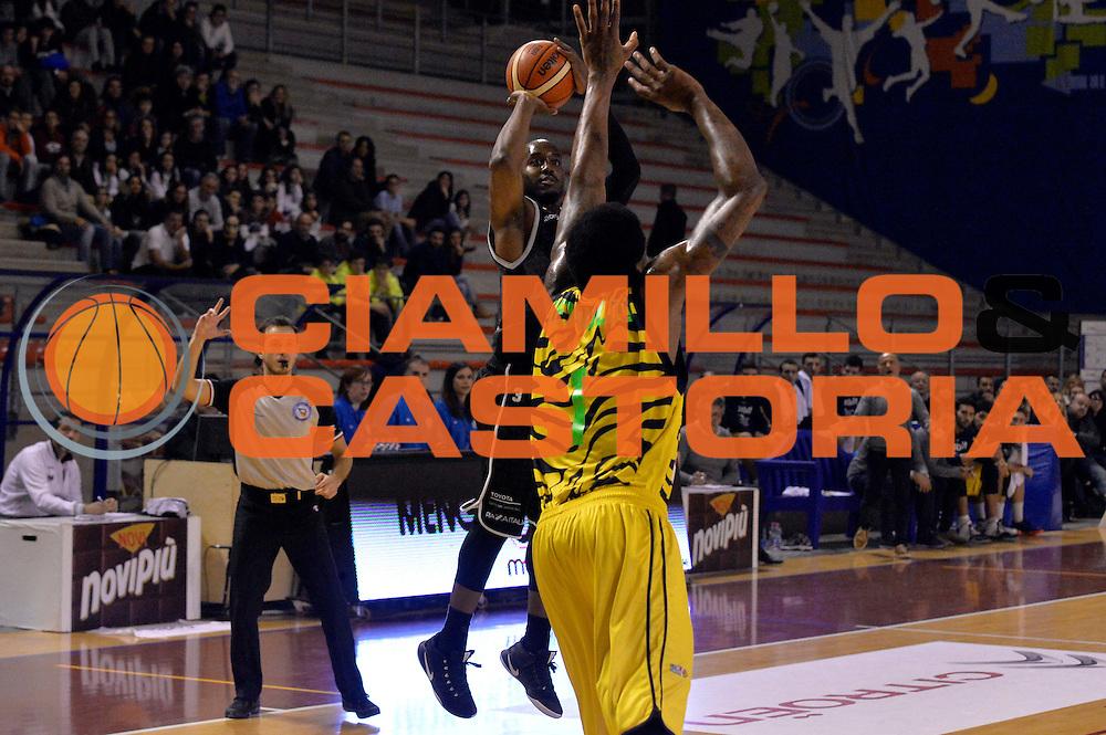 Michael Umeh<br /> Ambalt Recanati - Virtus Segafredo Bologna<br /> Campionato Basket A2 LNP 2016/2017<br /> Ancona, 03/12/2016<br /> Foto Ciamillo-Castoria