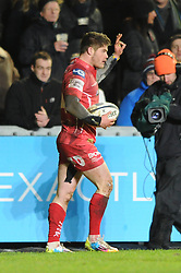 Scarlets winger, Harry Robinson celebrates his try - Photo mandatory by-line: Dougie Allward/JMP - Mobile: 07966 386802 - 16/01/2015 - SPORT - Rugby - Leicester - Welford Road - Leicester Tigers v Scarlets - European Rugby Champions Cup