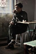 smoker cigarette restaurant