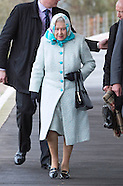 Ageing Queen Elizabeth Wraps-Up For Winter Holiday