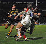 Wycombe, Great Britain, Wasps, Paul SACKEY, running in for a late, second half,  touch down,  during the Guinness Premiership Game London Wasps vs Newcastle Falcon at Adams Park, England, on Sunday 25/11/2007   [Mandatory Credit. Peter Spurrier/Intersport Images]