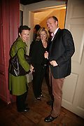 Bettina von Hase, Alison Jackson  and Henrik Schliemann,  KRUG PRESENTS OLIVER CLEGG PRIVATE VIEW AT 68 DEAN ST.  Afterwards Krug Art party at the Groucho club. London. 9 May 2007. -DO NOT ARCHIVE-© Copyright Photograph by Dafydd Jones. 248 Clapham Rd. London SW9 0PZ. Tel 0207 820 0771. www.dafjones.com.