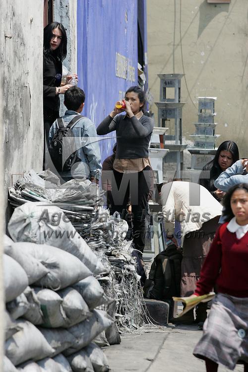 Toluca, Mex.- Aspecto de la vida cotidiana en la zona del mercado 16 de septiembre. Agencia MVT / Javier Rodriguez. (DIGITAL)<br /> <br /> <br /> <br /> <br /> <br /> <br /> <br /> NO ARCHIVAR - NO ARCHIVE