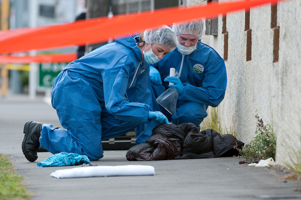 Police forensic staff at the scene in Hoonhay Road where a knife armed offender was shot by Police, Christchurch, New Zealand, Thursday, March 15, 2012. Credit :  SNPA / David Alexander