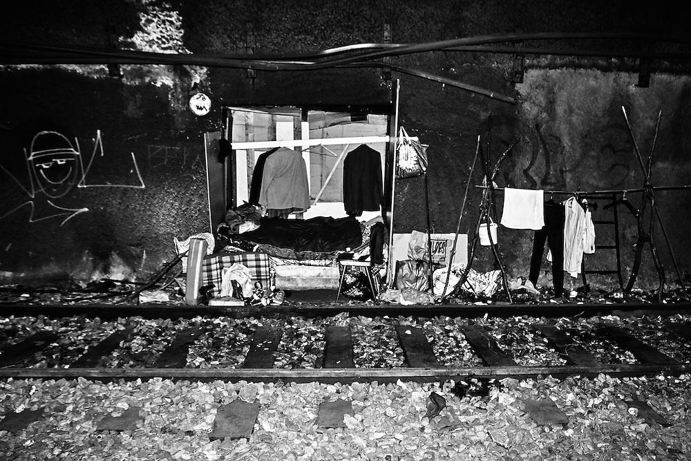 Chambre installée à l'intérieur d'un tunnel du nord de Paris.