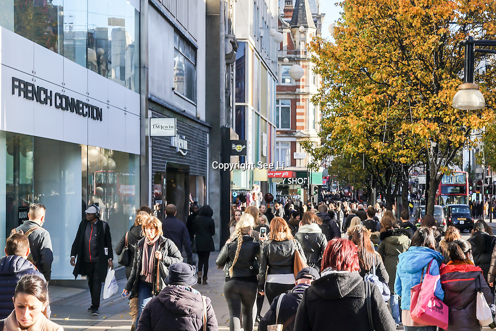 London Oxford Street open its door for the Black Friday Sales on Oxford Street, 24th November 2016, London,UK. Photo by See Li