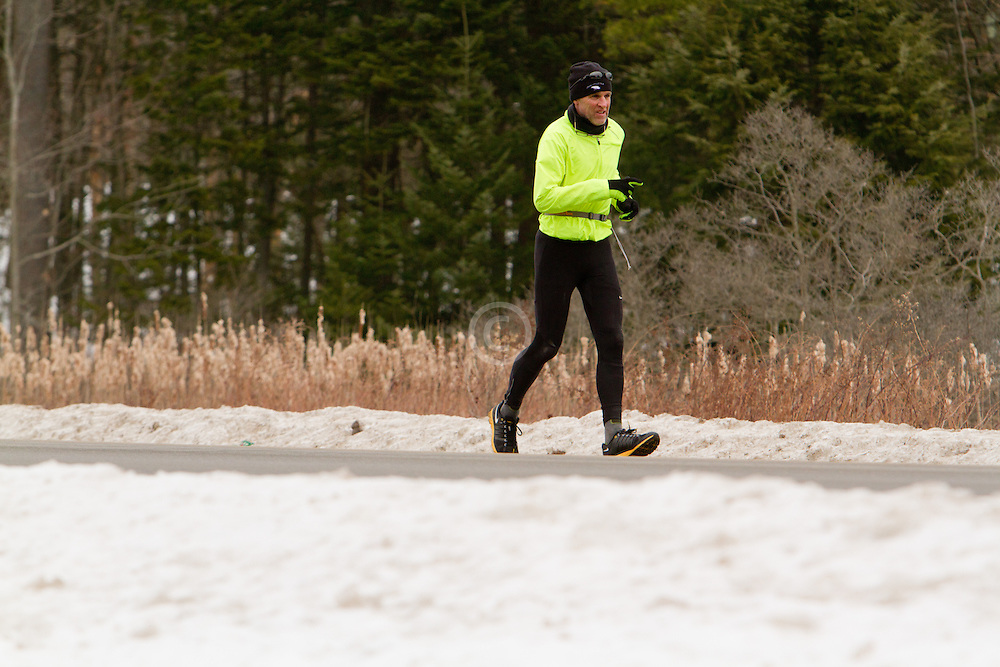 Gary Allen runs from Maine to Washington DC.route one outside Wiscasset