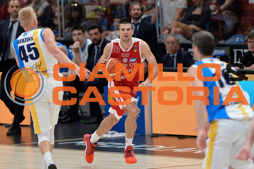 Cinciarini Andrea<br /> Olimpia EA7 Emporio Armani Milano vs Vanoli Cremona<br /> Lega Basket Serie A 2016/2017<br /> PlayOff semifinale gara 2<br /> Milano 14/05/2017<br /> Foto Ciamillo-Castoria / I.Mancini