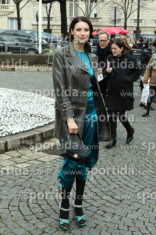 Caitriona Balfe arrives at the Miu Miu show as part of the Paris Fashion Week Womenswear Fall, Winter 2016, 2017 on March 9, 2016 in Paris, France. EXPA Pictures © 2016, PhotoCredit: EXPA/ Photoshot/ Zenon Stefaniak<br /> <br /> *****ATTENTION - for AUT, SLO, CRO, SRB, BIH, MAZ, SUI only*****