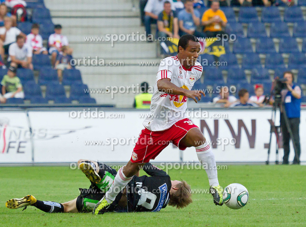 21.08.2011, Red Bull Arena, Salzburg, AUT, 1. FBL, Red Bull Salzburg vs Sturm Graz, im Bild Andreas Hölzl, (SK Puntigamer Sturm Graz, #08) und Leonardo Vitor Santiago, (FC Red Bull Salzburg, #30), // during the Austrian Bundesliga Match, Red Bull Salzburg vs Sk Sturm Graz, Red Bull Arena, Salzburg, 2011-08-21, EXPA Pictures © 2011, PhotoCredit: EXPA/ P.Rinderer