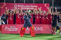 ANTWERPEN - goalkeeper Vincent Vanasch (Belgie)  met de cup.   Belgie wint de titel    na de  finale mannen  Belgie-Spanje (5-0)  bij het Europees kampioenschap hockey. Belgie kampioen.  COPYRIGHT KOEN SUYK