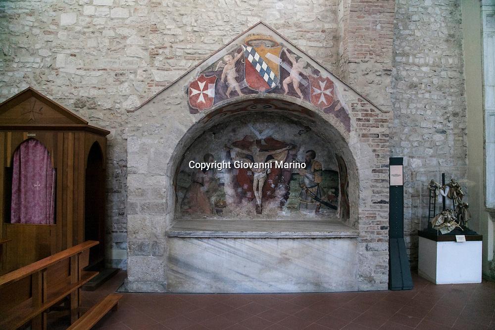 Venosa (PZ) Basilicata - Scorci di Venosa. La tomba di Roberto il Guiscardo