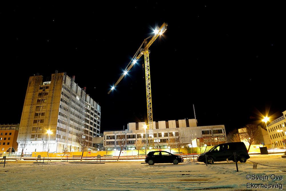 Ålesund 13012011.<br /> Rådhuset i Ålesund under oppussing. Rådhuset var av mange ansett som byens styggeste bygning før oppussingen startet.<br /> <br /> The City Hall in Aalesund, considered by many as the city's ugliest building before the renovation began.<br /> Foto: Svein Ove Ekornesvåg