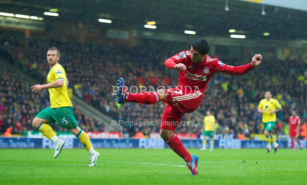 NORWICH, ENGLAND - Saturday, April 28, 2012: Liverpool's Luis Alberto Suarez Diaz scores the first goal of his hat-trick against Norwich City during the Premiership match at Carrow Road. (Pic by David Rawcliffe/Propaganda)