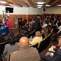 Toluca, México.- Patricia Martínez Barrios,  Viceministra de Educación de Colombia  asistió al Foro Bilateral México-Colombia sobre Educación realizado en una universidad privada en donde participaron maestros mexicanos y colombianos compartiendo experiencias educativas.  Agencia MVT / Crisanta Espinosa
