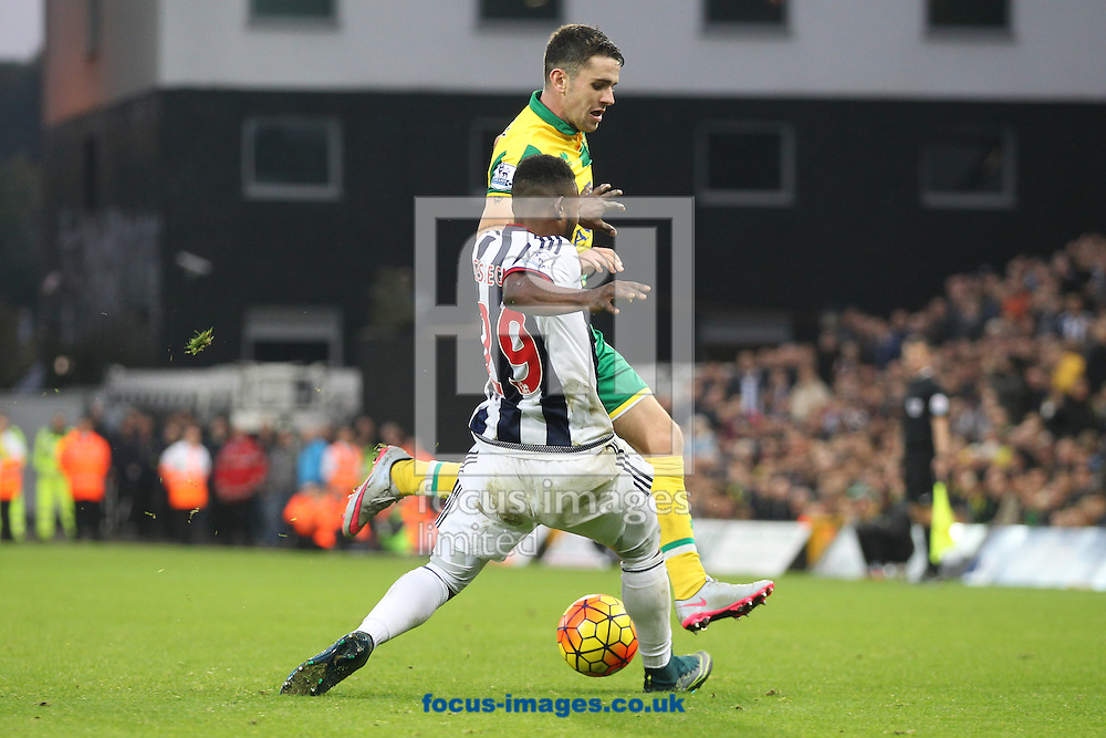Matt Jarvis of Norwich and Stephane Sessegnon of West Bromwich Albion in action during the Barclays Premier League match at Carrow Road, Norwich<br /> Picture by Paul Chesterton/Focus Images Ltd +44 7904 640267<br /> 24/10/2015