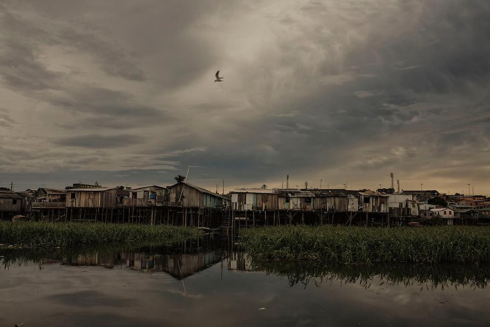 Brazil, Amazonas, rio Negro, Manaus. Favela Sao Raimundo.