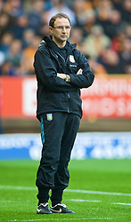WOLVERHAMPTON, ENGLAND - Saturday, October 24, 2009: Aston Villa's manager Martin O'Neill during the Premiership match against Wolverhampton Wanderers at Molineux. (Photo by David Rawcliffe/Propaganda)