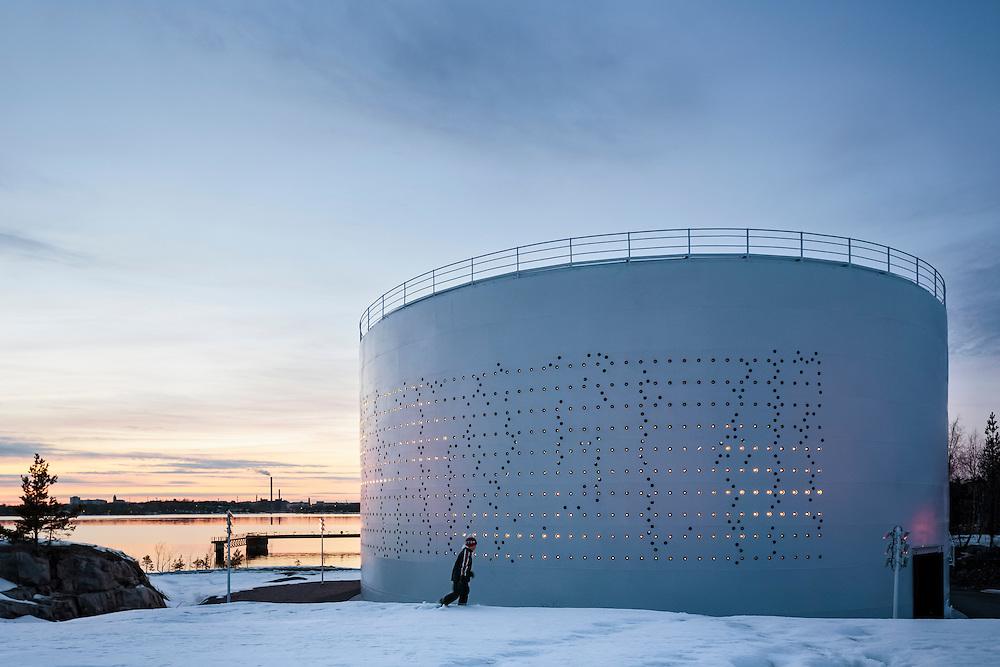 Kruunuvuorenrannan Öljysäiliö 468 - Lights over Kuurunuvuorenranta light installation in a used oil silo in Helsinki, Finland.