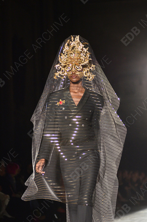 16.SEPTEMBER.2012. LONDON<br /> <br /> MODELS WALK THE CATWALK AT PHILIP TREACY'S LFW SHOW AT THE ROYAL COURTS OF JUSTICE. <br /> <br /> BYLINE: EDBIMAGEARCHIVE.CO.UK<br /> <br /> *THIS IMAGE IS STRICTLY FOR UK NEWSPAPERS AND MAGAZINES ONLY*<br /> *FOR WORLD WIDE SALES AND WEB USE PLEASE CONTACT EDBIMAGEARCHIVE - 0208 954 5968*