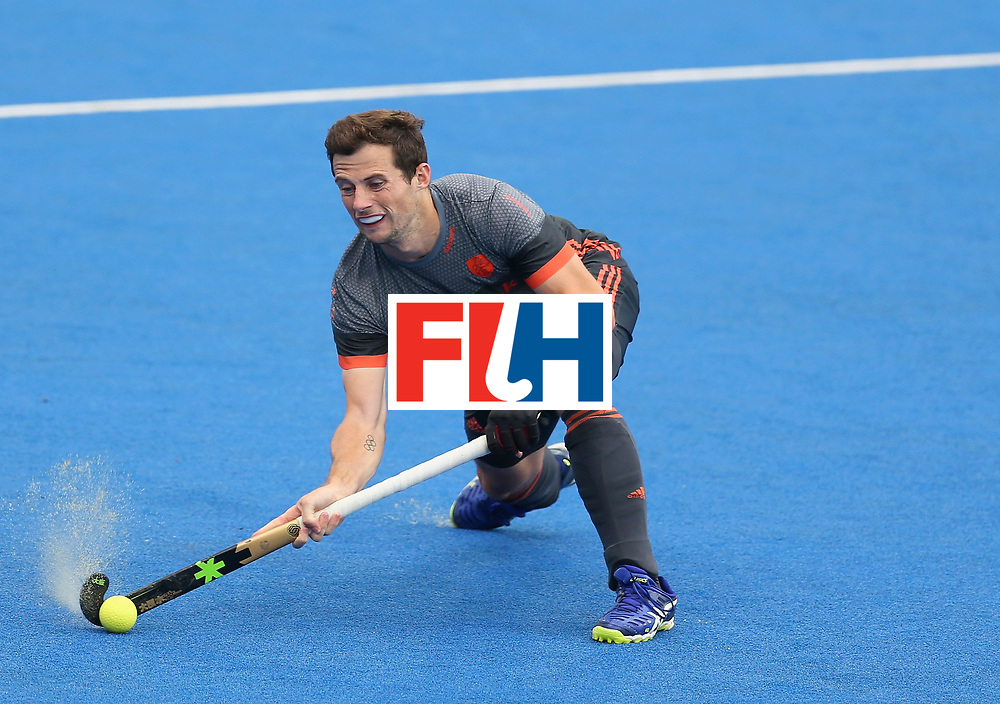 LONDON, ENGLAND - JUNE 24:  Sander Baart of the Netherlands in action during the semi-final match between England and the Netherlands on day eight of the Hero Hockey World League Semi-Final at Lee Valley Hockey and Tennis Centre on June 24, 2017 in London, England.  (Photo by Steve Bardens/Getty Images)