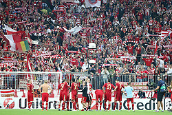 27.09.2011, Allianz Arena, Muenchen, GER, UEFA CL, FC Bayern Muenchen vs Manchester City, im Bild ..Die Bayern feiern mit den Fans // during the CL match  FC Bayern Muenchen (GER)  vs Manchester City (ENG) Gruppe A, on 2011/09/27, Allianz Arena, Munich, Germany, EXPA Pictures © 2011, PhotoCredit: EXPA/ nph/  Straubmeier       ****** out of GER / CRO  / BEL ******