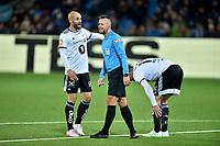 Fotball , 1. november 2019 , Eliteserien , Strømsgodset - Rosenborg<br /> Tore Reginiussen  , RBK diskuterer med dommer Svein oddvar Moen , etter at Even Hovland har fått seg en smell