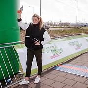 NLD/Amsterdam/20160403 - Rokjesdaglop 2016, start door Lieke van Lexmond