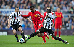 27.04.2013, St. James Park, Newcastle, ENG, Premier League, Newcastle United vs FC Liverpool, 35. Runde, im Bild Liverpool's Daniel Sturridge in action against Newcastle United during the English Premier League 35th round match between Newcastle United and Liverpool FC at the St. James Park, Newcastle, Great Britain on 2013/04/27. EXPA Pictures © 2013, PhotoCredit: EXPA/ Propagandaphoto/ David Rawcliffe..***** ATTENTION - OUT OF ENG, GBR, UK *****