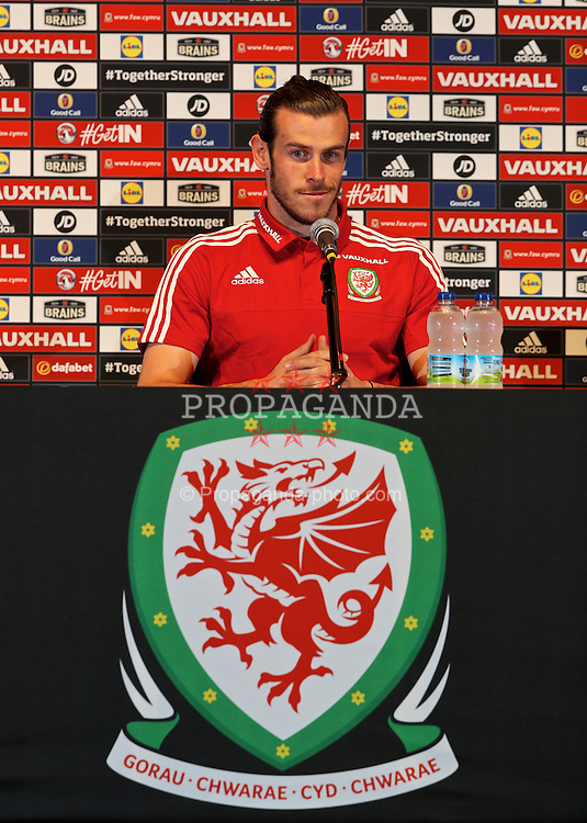 DINARD, FRANCE - Thursday, June 9, 2016: Wales' Gareth Bale during a press conference session at their base in Dinard during the UEFA Euro 2016 Championship. (Pic by David Rawcliffe/Propaganda)