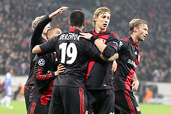 23.11.2011, BayArena, Leverkusen, Germany, UEFA CL, Gruppe E, Bayer 04 Leverkusen (GER) vs Chelsea FC (ENG), im Bild Torjubel/ Jubel nach dem 1:1 durch Eren Derdiyok (Leverkusen #19) mit Sidney Sam (Leverkusen #18) und den anderen Mitspielern. Simon Rolfes (Leverkusen #6), Andre Schürrle (Leverkusen #9) und Stefan Kiessling (Leverkusen #11) // during the football match of UEFA Champions league, group E, between Bayer Leverkusen (GER) and FC Chelsea (ENG) at BayArena, Leverkusen, Germany on 2011/11/23.EXPA Pictures © 2011, PhotoCredit: EXPA/ nph/ Mueller..***** ATTENTION - OUT OF GER, CRO *****