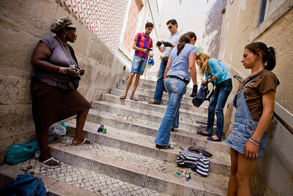 Report on decriminalization of drugs in Portugal.<br /> Intervention by the Police Portuguese in Intendent, one of the largest neighborhoods of Lisbon where more drugs are consumed.