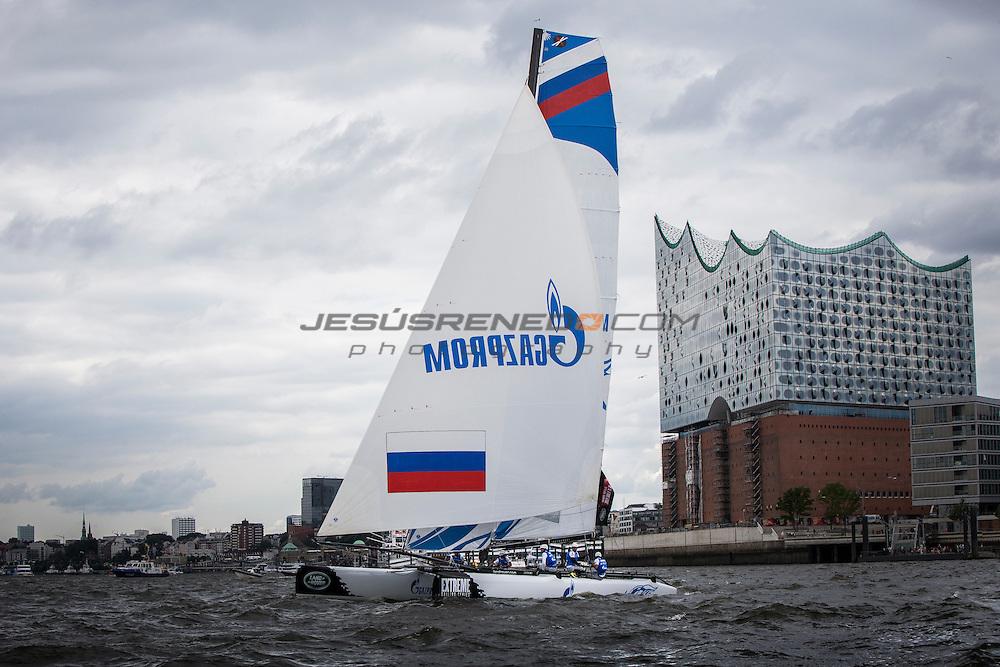 2015 Extreme Sailing Series - Act 5 - Hamburg.<br /> Gazprom Team Russia skippered by Phil Robertson (NZL) and crewed by Igor Lisovenko (RUS), Garth Ellingham (NZL), Alexander Bozhko (RUS) and Aleksey Kulakov (RUS).<br /> Credit Jesus Renedo.