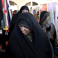 Ibra, Sultanate of Oman - 26 November 2008.Women market..Photo: FRANCINE BURLET