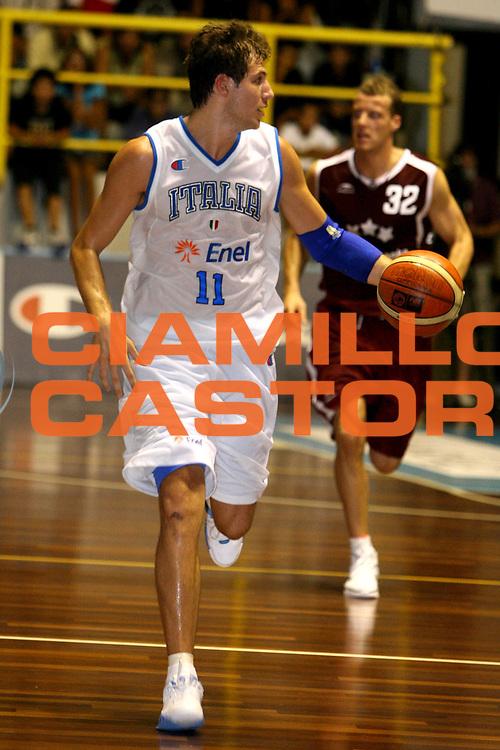 DESCRIZIONE : Cagliari Primo Torneo Internazionale Sardegna a Canestro Italia Lettonia<br /> GIOCATORE : Stefano Mancinelli<br /> SQUADRA : Italia<br /> EVENTO : Cagliari Primo Torneo Internazionale Sardegna a Canestro <br /> GARA : Italia Lettonia<br /> DATA : 13/08/2007 <br /> CATEGORIA : Palleggio<br /> SPORT : Pallacanestro <br /> AUTORE : Agenzia Ciamillo-Castoria/E.Castoria