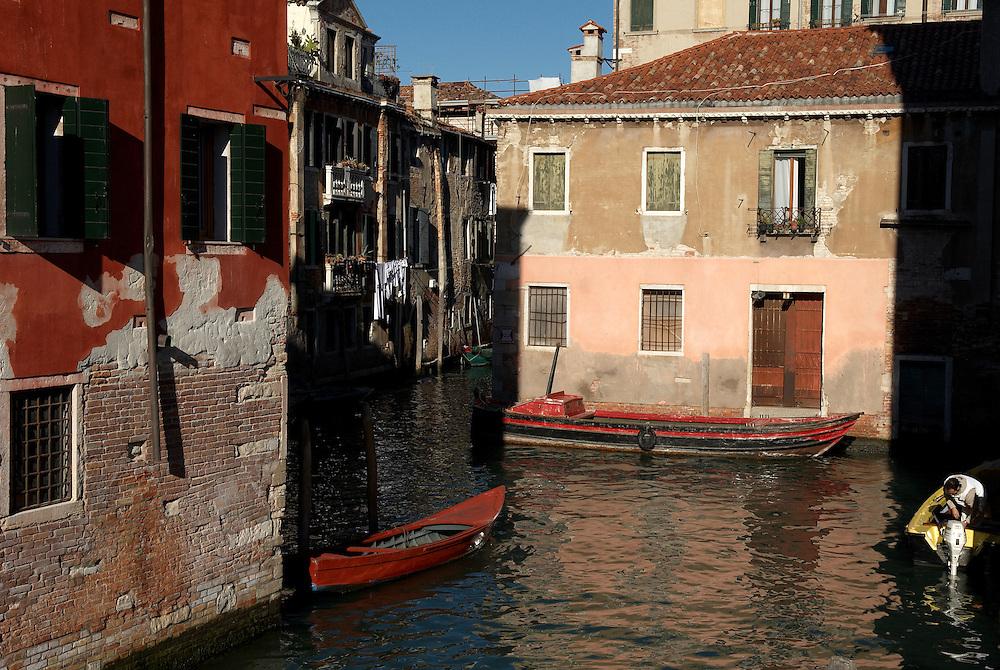 Italy, Veneto, Venice. November/12/2007...Venice canals in the early morning light.