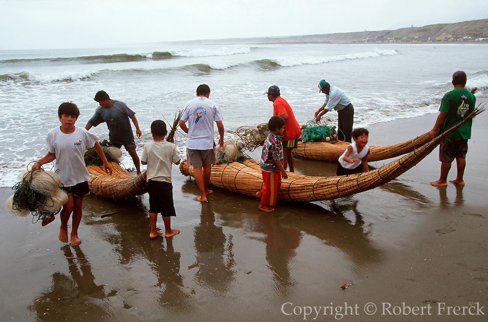 PERU, NORTH, TRUJILLO 'caballitos de totora' fishing boats